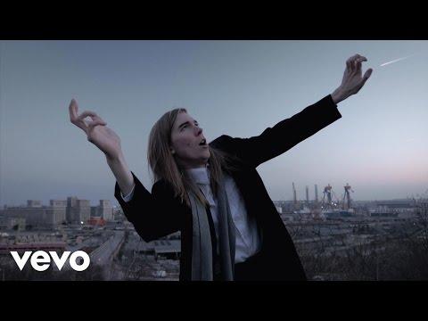 Alex Cameron - Mongrel (Official Video)