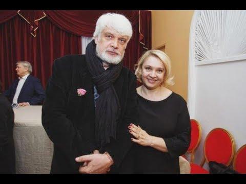 Снимали крошечную квартиру: Забытые слова Брусникина о жене