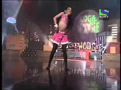 Papiya Dances On 'ek Pardesi Mera Dil Le Gaya'    Boogie Woogie   Season 2   Episode 481) video