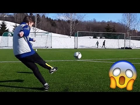 AMAZING FOOTBALL FREE KICKS AND GOALS!