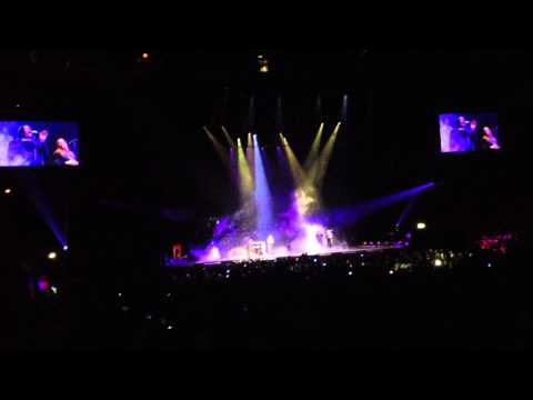 Nicki Minaj ~ Grand piano      Sweden, Ericsson Globe