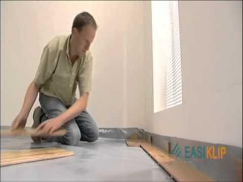 pose flottante d 39 un parquet massif en ch ne easiklip youtube. Black Bedroom Furniture Sets. Home Design Ideas