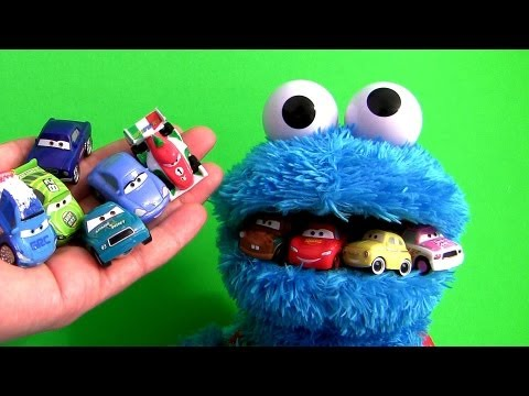 Cookie Monster Eats Cars Lightning McQueen Micro Drifters Mater Count N Crunch Playset Disney Pixar