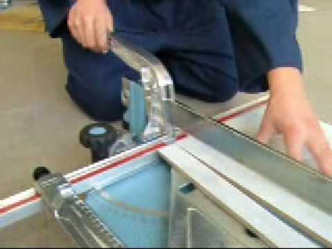 taglio di piastrelle in gres porcellanato a 90° con tagliapiastrelle sigma art. 5A
