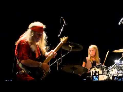 Uli Jon Roth w/ Nea Forslund - Hell Cat [Scorpions] (Live in Copenhagen, October 2nd, 2014)