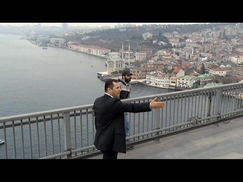 Ehrlich oder Ente? Erdogan soll Selbstmörder gerettet haben