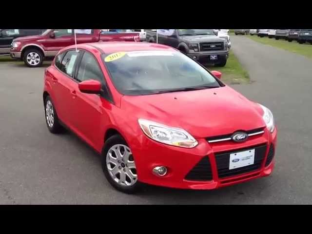 ► 2012 Ford Focus SE Hatchback Race Red