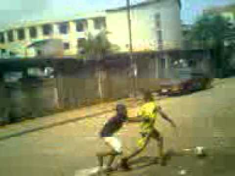 Funny handball dribbling Video