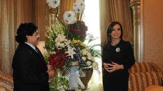 15 de ENE. Cristina Fernández se reunió con Diego Maradona en Abu Dhabi.
