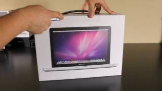 2011 MacBook Pro i5 13 Unboxing & 1st Bootup
