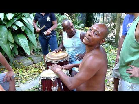 Neydoxosse e dofono dando aula de candomble de angola