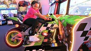 KIDS ARCADE GAMES!! Amusement Family Fun | Toys AndMe