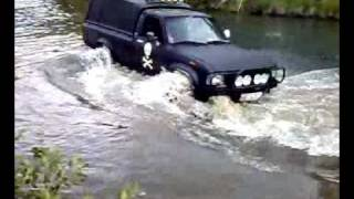 Hilux in water. crayzy shit. offroad