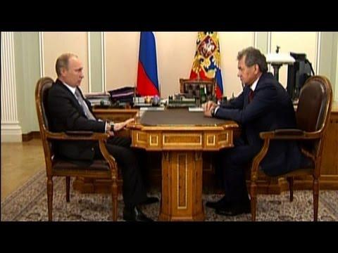 Putin demite ministro da Defesa