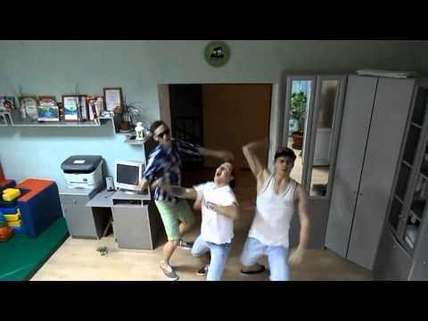 skritaya-kamera-v-vanne-video