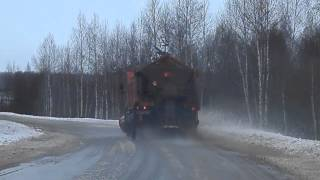 Road Cleaning in RUSSIA. Камаз чистит деревенскую дорогу