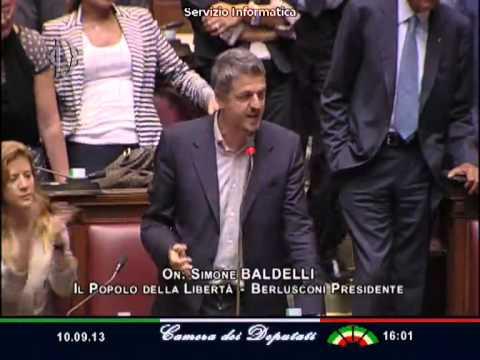 """M5S Di Battista Urla """"Sbattete Fuori i Ladri"""" : Caos in Parlamento – """"Non è L'Asilo"""""""