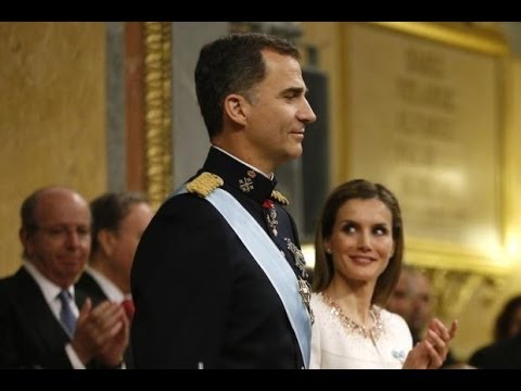 King Felipe VI calls for 'new Spain' as he is sworn in