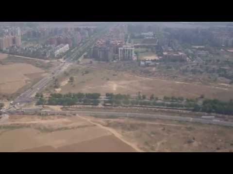 Landing at Delhi Airport  (HD)
