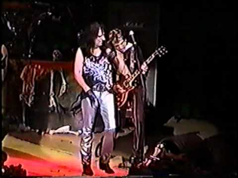 Alice Cooper - Trash (live in Toronto 2002)