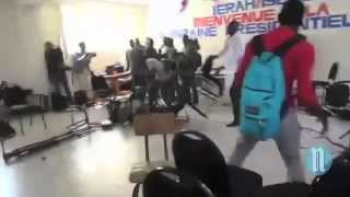 VIDEO - Sauveur Pierre Etienne attacked by students during presentation