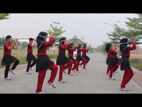 Ujian praktek senam aerobik  SMA Negeri 1 Surabaya Tahun 2014 - 2015