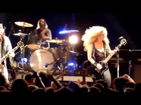 Nashville Pussy - Live in France (2010)