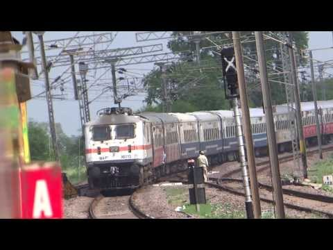 Bhilai Wap 7 Raigarh - Gondia Janshatabdi Thrashes Stabled Duronto video