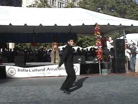 India Festival 2003 - O Haseena Zulfonwali  Ladka Yeh Kehta...