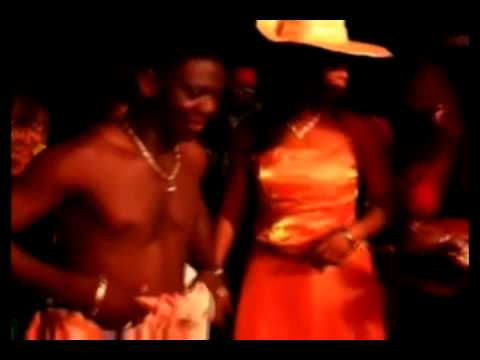 Azonto Dance - Agya Koo Dancing (u Go Kill Me By Sarkodie) video