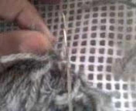 Fazer tapetes em trapilho com agulha