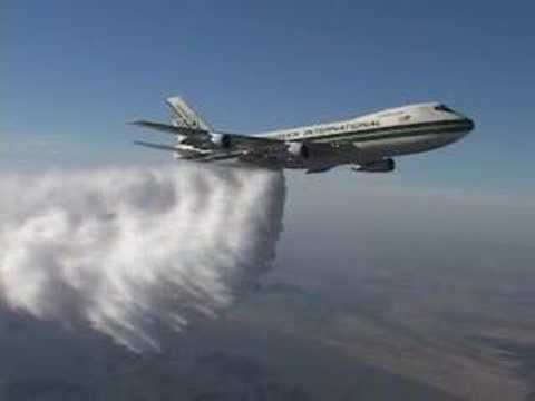 Boeing 747:  High Altitude Water Drop