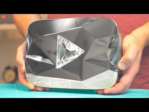 Wir haben ein Diamant Play Button von Youtube bekommen