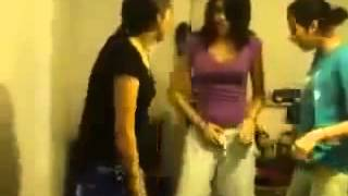 හොස්ටල් වල කෙල්ලො දාන ආතල් Indian Girls Hostel Video