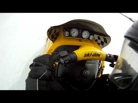 Skidoo Mach Z 200+ km! Go Pro HD  Radar Runs 2012