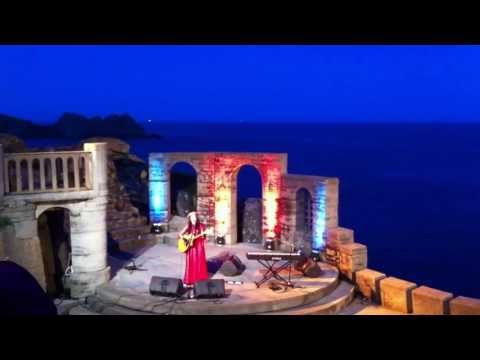 "Nerina Pallot - ""Everything's Illuminated"" (Minack Theatre) May 15th, 2013"