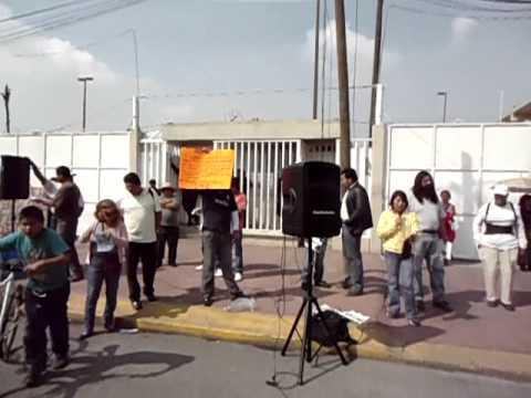 USUARIOS DE LUZ DE VALLE DE CHALCO EN CFE 5/NOV.