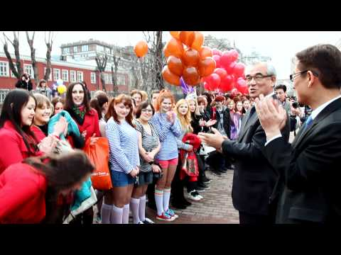 [120414] Kpop Dream Flashmob. Korean Minister of Culture Sports and Tourism in Russia.[1]