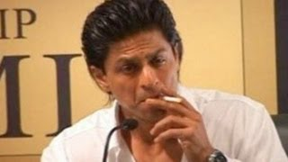 Shahrukh Khan Smoking In Public