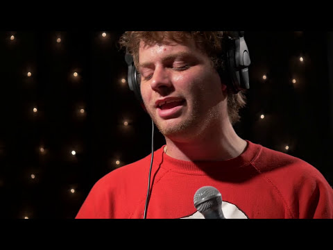 Mac DeMarco - Chamber of Reflection (Live on KEXP)
