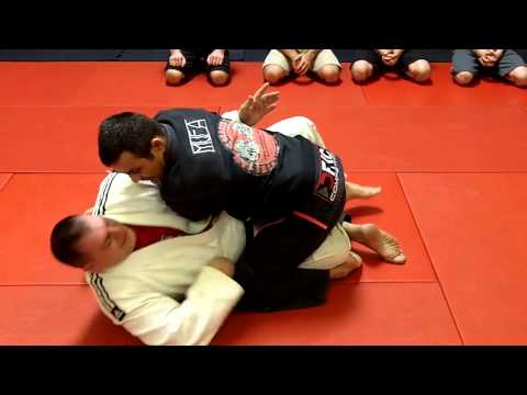 Jiu Jitsu Techniques - Half Guard Pass / Bicep Lock Image 1