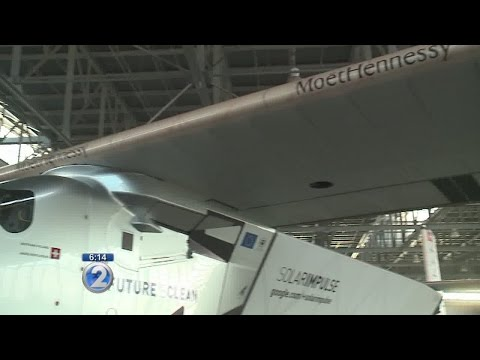 Thousands crowd Kalaeloa Airport for Solar Impulse 2 viewing