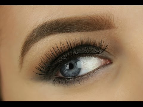 Classic Black Smokey Eye for Beginners