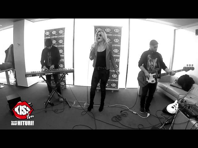 Loredana - Dar-ar Naiba Dragoste in Tine (live la Kiss FM)