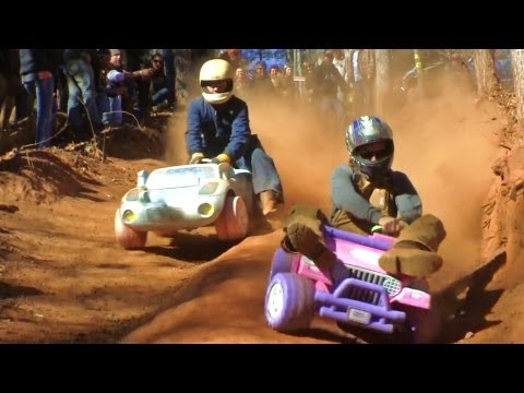EXTREME BARBIE JEEP RACING 2012