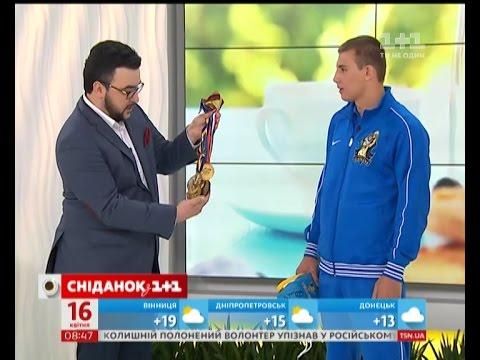 Олександр Хижняк, боксер команди Українські отамани, в гостях Сніданку з 1+1