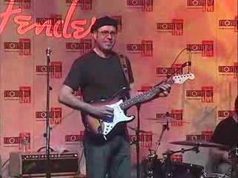 Fender® Frontline Live from Winter NAMM 2007:Andy Summers(6)