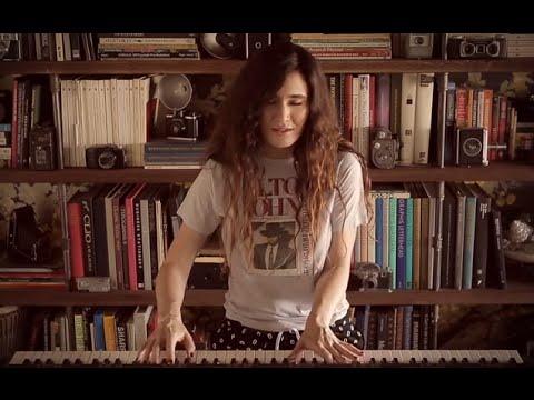 Scarlett Rabe - Free Fall - One Piano One Take Series