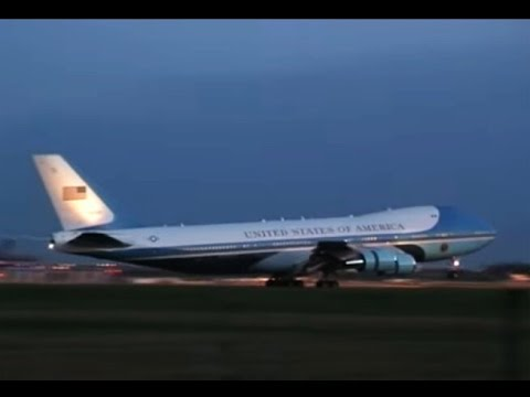 Air Force One 1st Landing Video at London Stansted March 31st 2009 G20 Obama