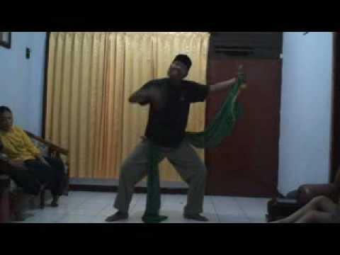 Belajar Tari Remo Surabaya video
